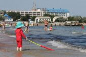 Ruslar virüs nedeniyle tatile kaçıyor